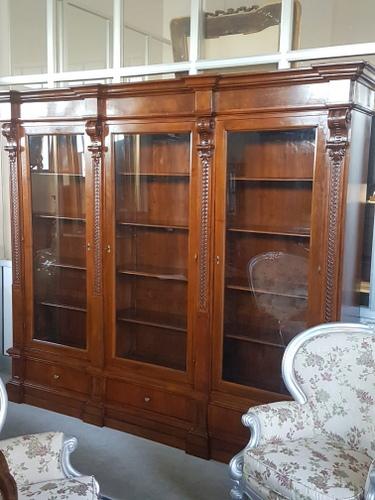 Antichita vendita restauro mobili for Mobili antichi vendita